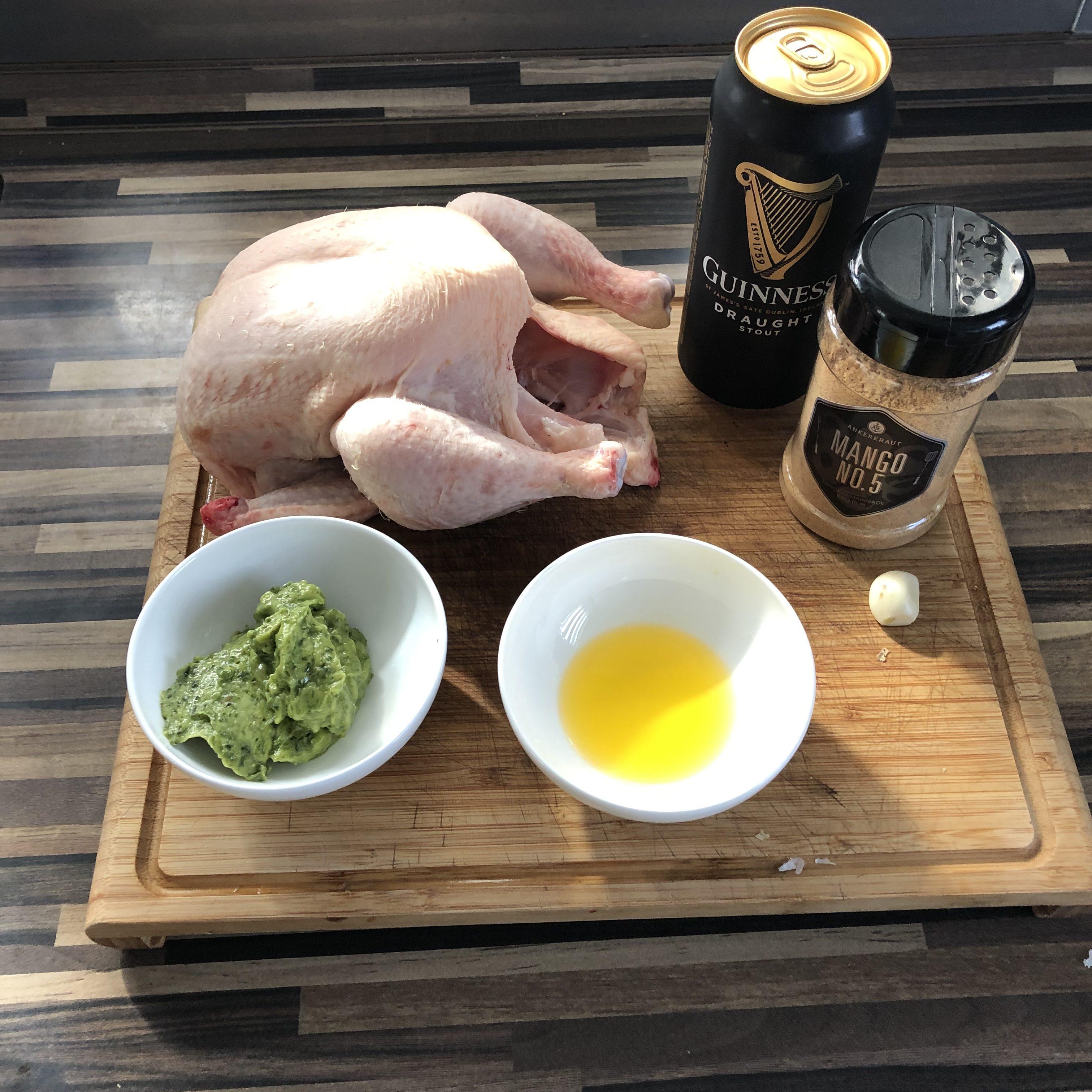Beer Can Chicken mit Gemüse vom Geflügelhalter
