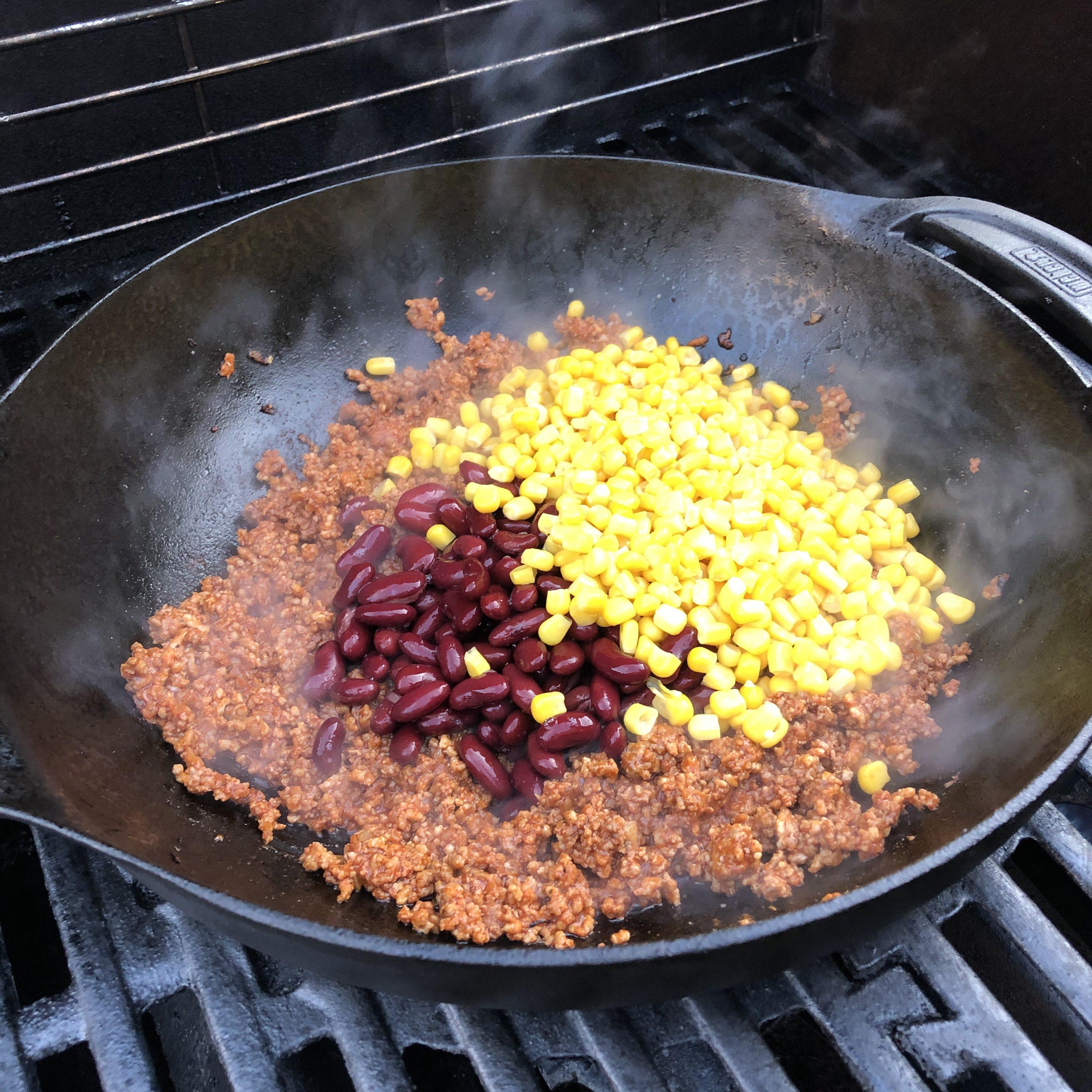Hackfleischfüllung für Tortillas aus dem Hickory-Rauch